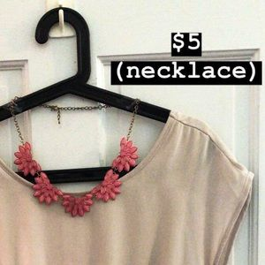 Jewelry - Pink, floral necklace